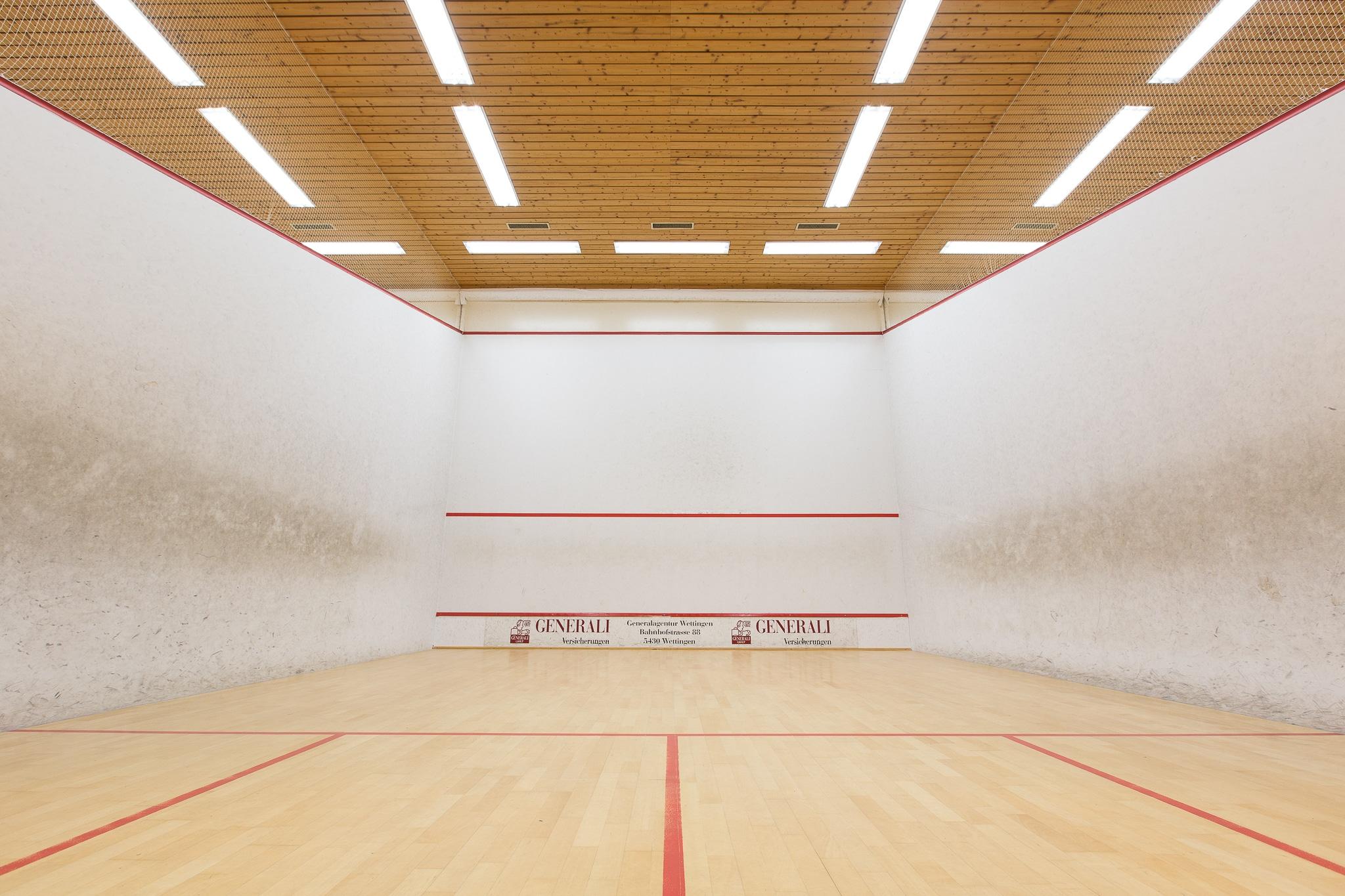 Bild der Squashhalle des Sportcenters Sport World Baregg