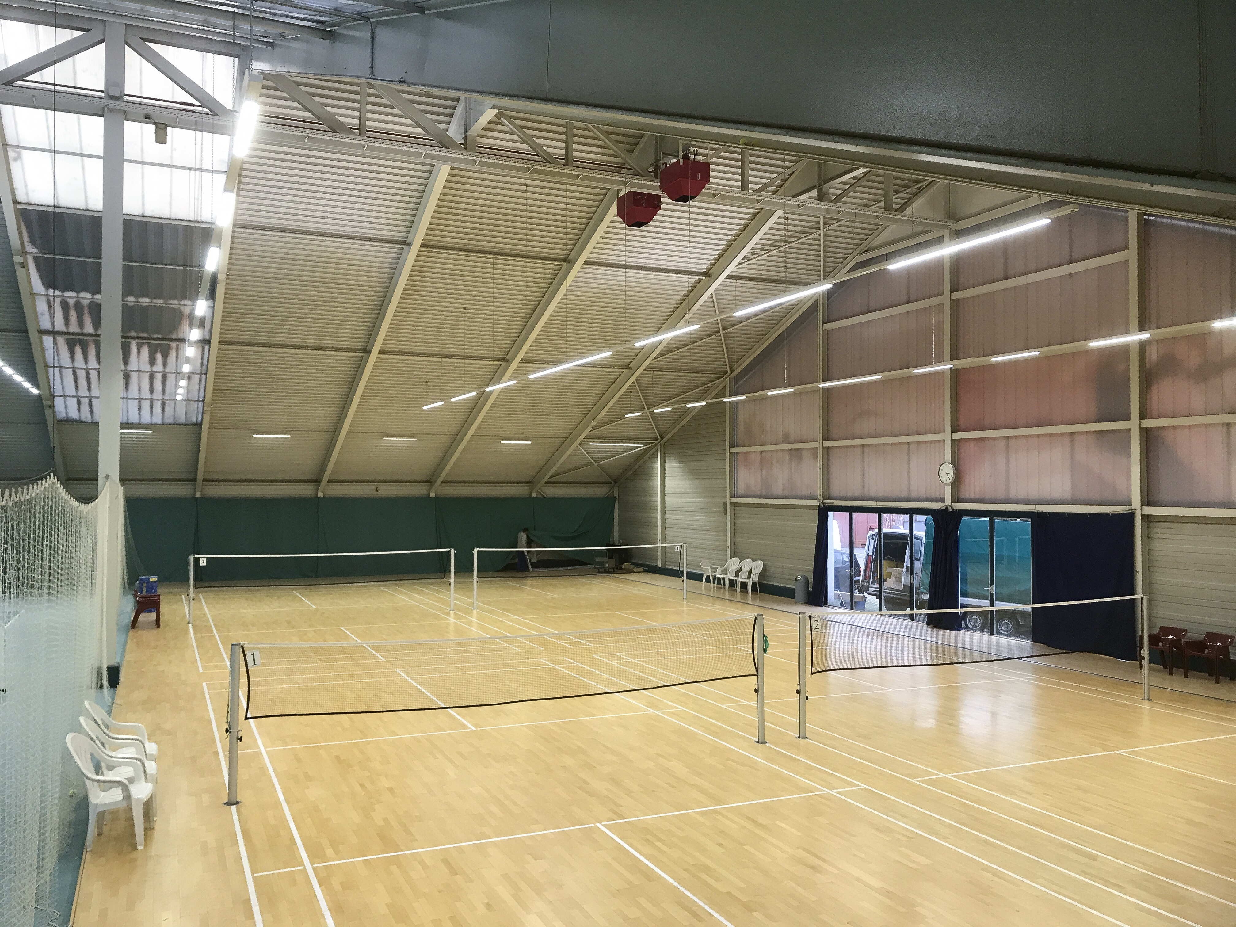 Picture of the badminton hall of the Gesundheitspark Thalwil