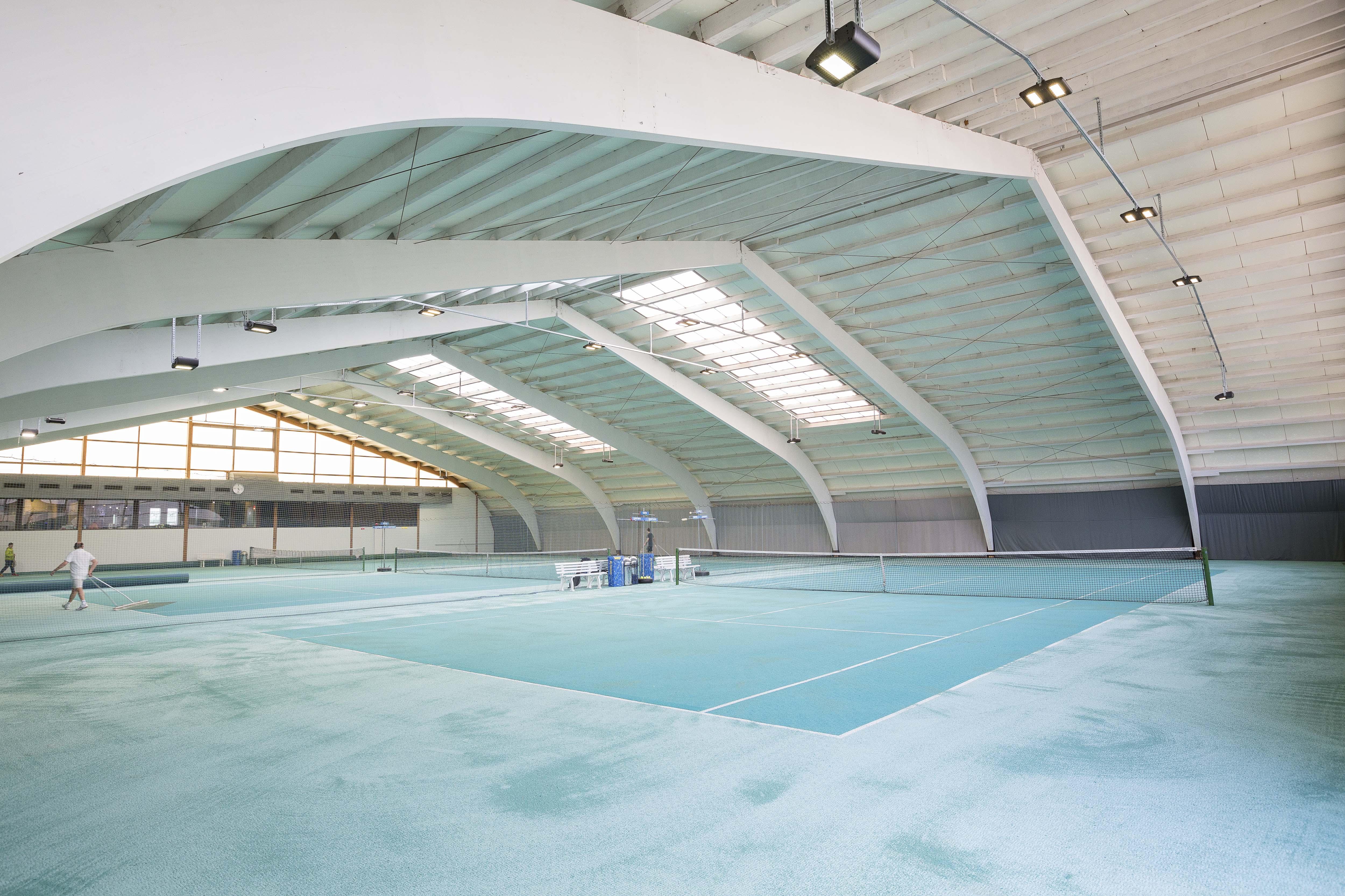 Innenansicht der hp Tennis- und Squashhallen Frauenfeld AG