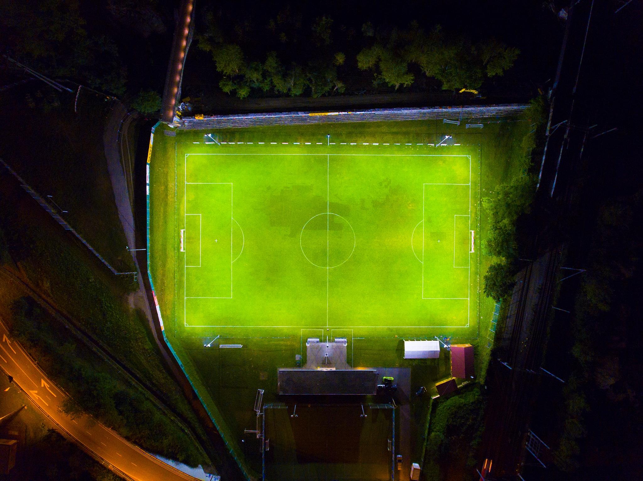 Fussballplatz des FC US Arbedo aus der Vogelperspektive