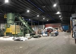 Bild der Industriehalle des Recycling Centers Loacker AG in Winterthur