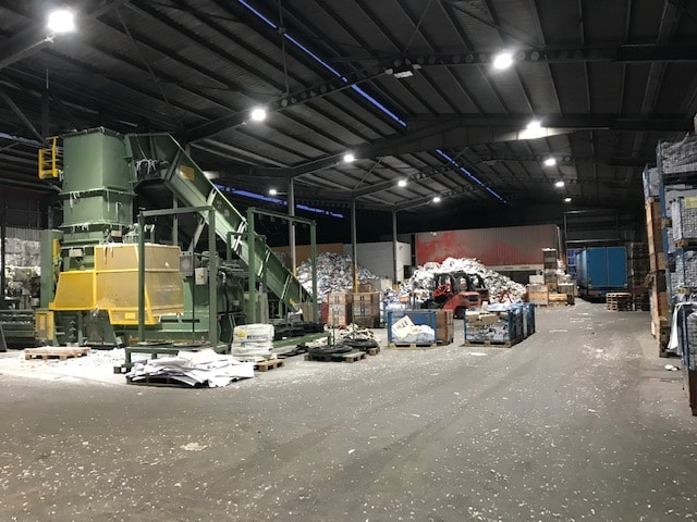Bild der Industriehalle des Recycling Centers Loacker AG in Winterthur