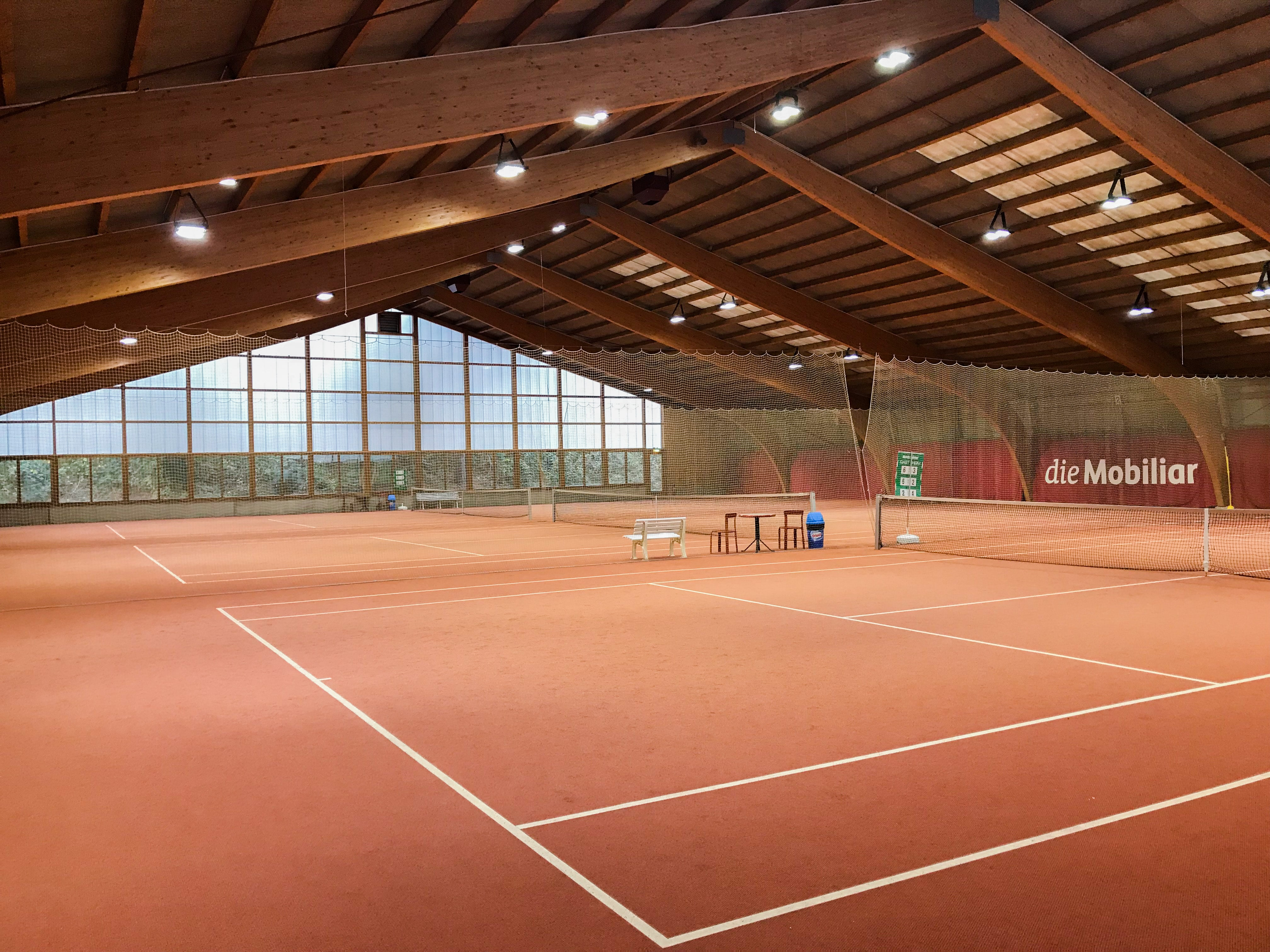 Picture of the tennis court of the Sportcenter Bustelbach