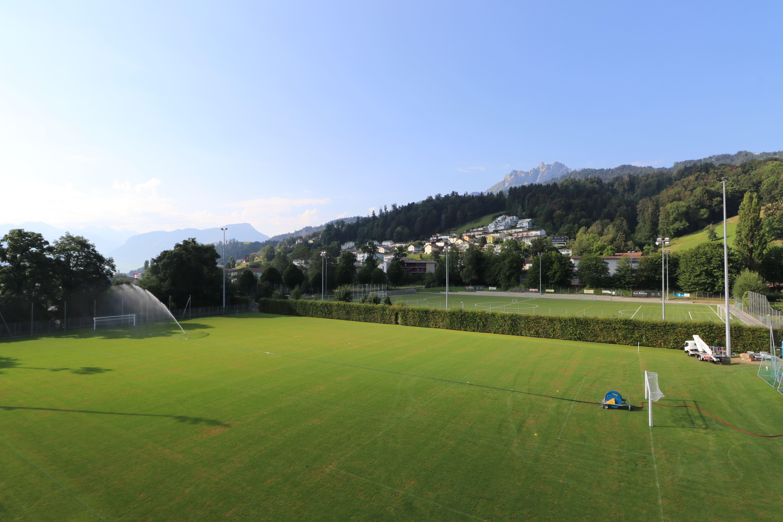 Ein Bild von der Umrüstung des Trainingsplatzes vom Stadion Kleinfeld in Kriens auf LED-Beleuchtung
