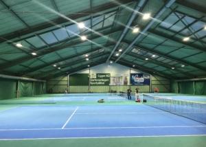 Bild der Tennishalle des TC Derendingen