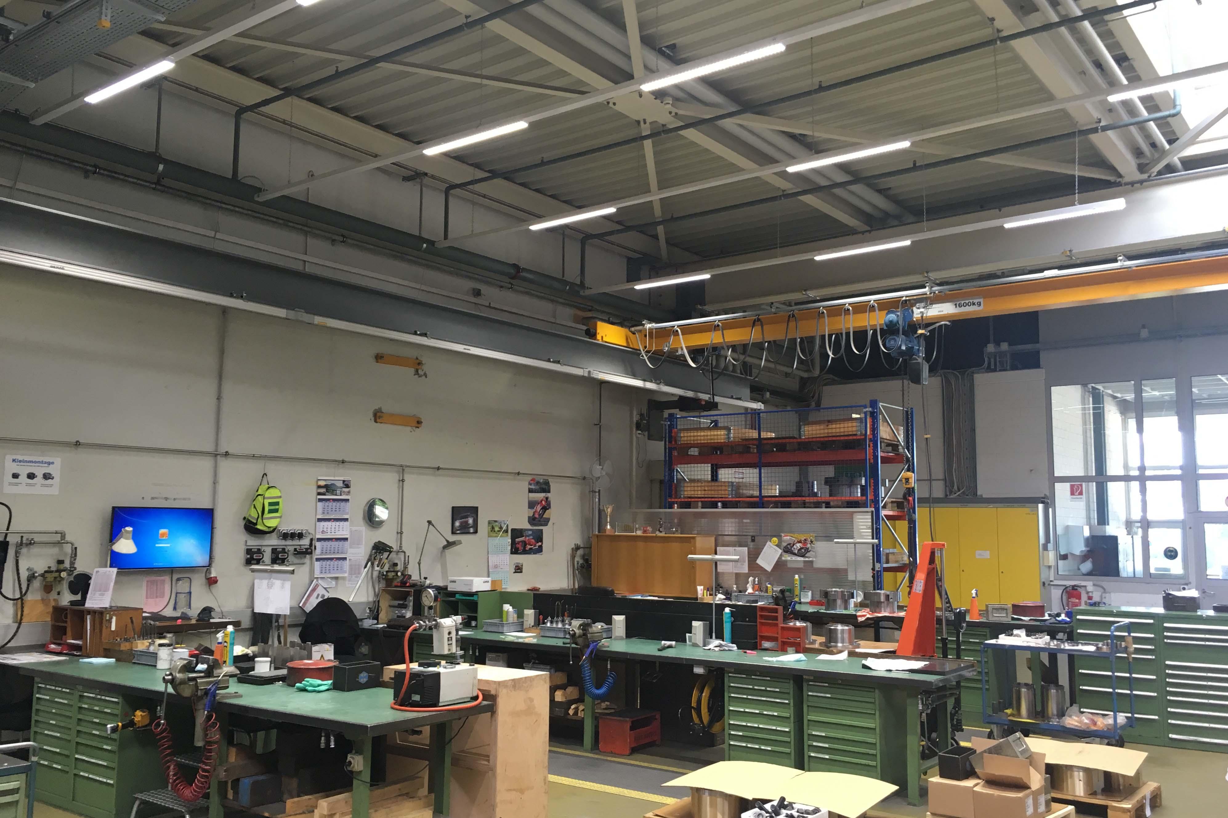 Bild der neuen Beleuchtung in der Maag Pump Systems AG
