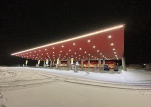 Bild der Eni-Tankstelle in Ambrì