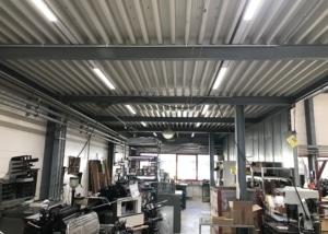 Bild der Werkhalle der Klingler Fahrzeugtechnik AG