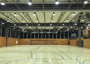 Bild der Mehrzweckhalle eines Gymnasiums in Biel