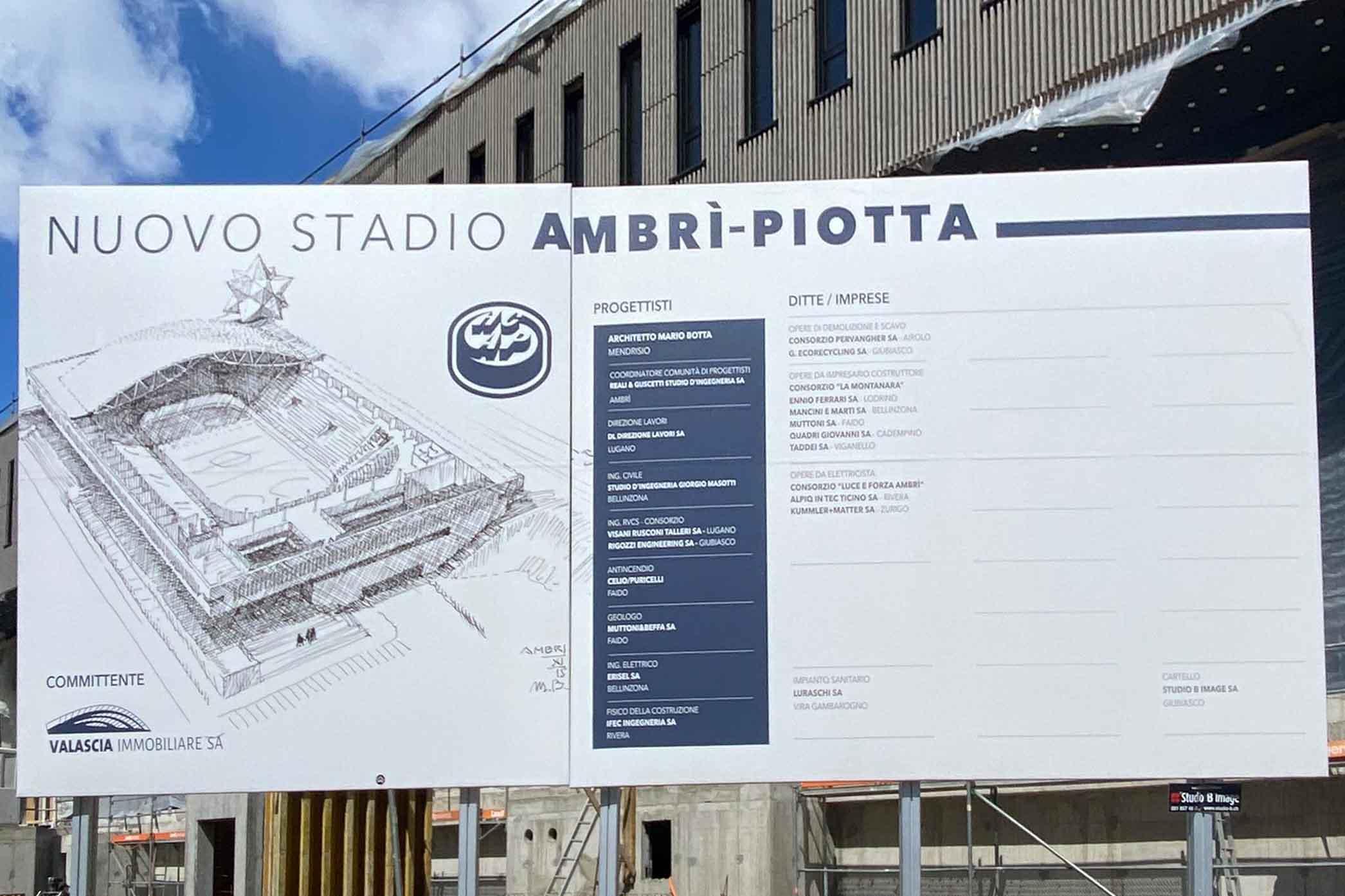 Foto der Informationstafel zum Neubau des Stadions Valascia