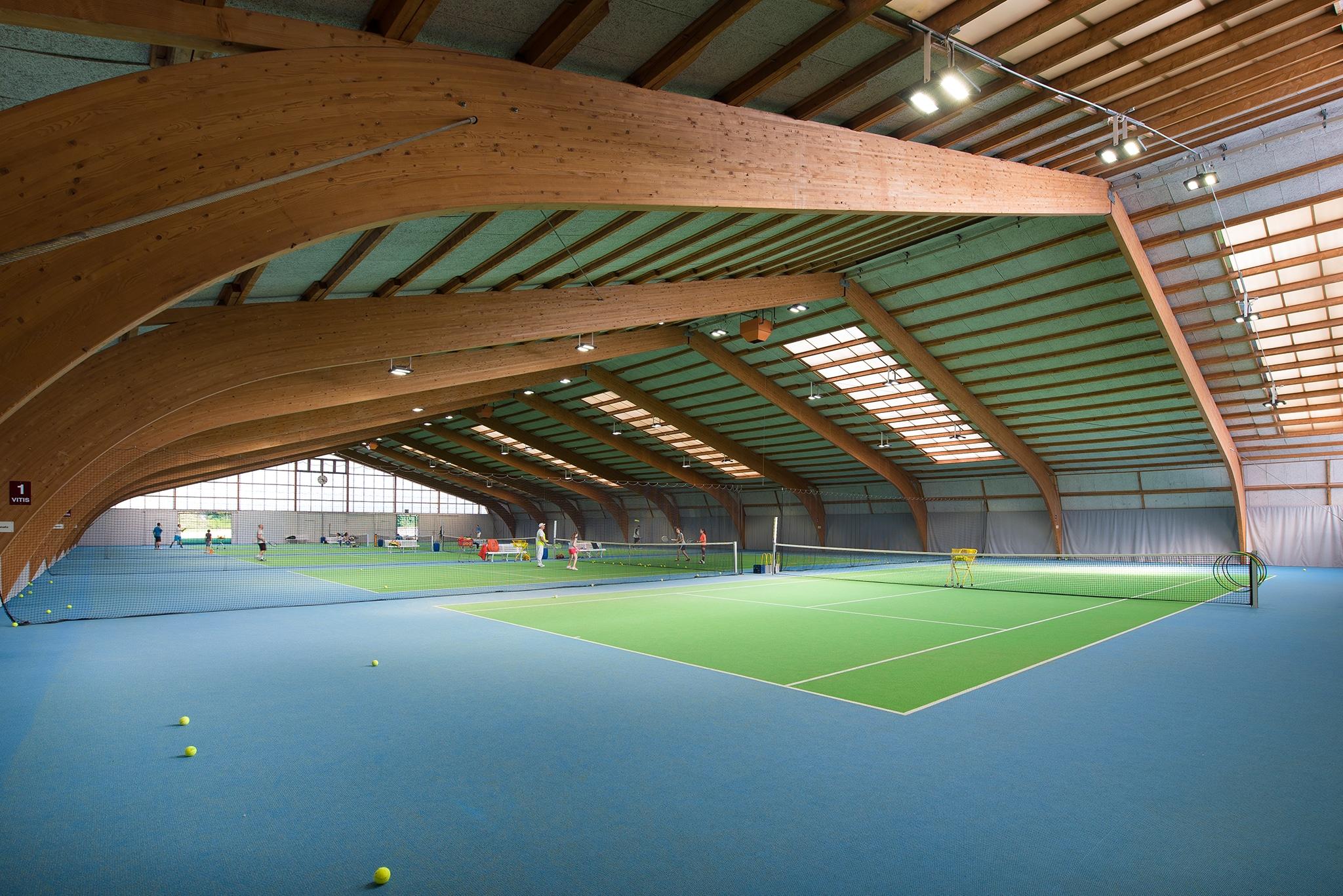 Bild der Tennishalle im Vitis Sportcenter in Schlieren